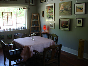 Holtenwood Gallery and Cafe;
